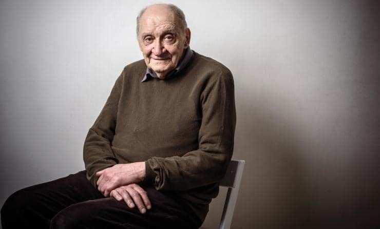 Gürcüler Efsane Yazar Guram Dochanashvili'nin 82.Yaşgününde Saygılılarını Sunmaya Devam Ediyor