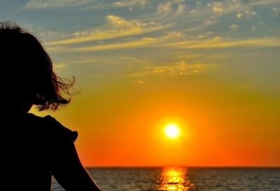 Kevser Ruhi: HAYAL MEYAL BİR AŞK TANIMI